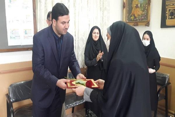 تقدیرحمیدرضامحمدی رئیس سازمان فرهنگی،اجتماعی و ورزشی ازمدیران ومعلمان مدارس دخترانه